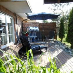 EG Ferienwohnung mit Terrasse und Strandkorb